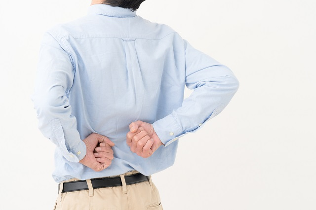 腰痛・シニア男性